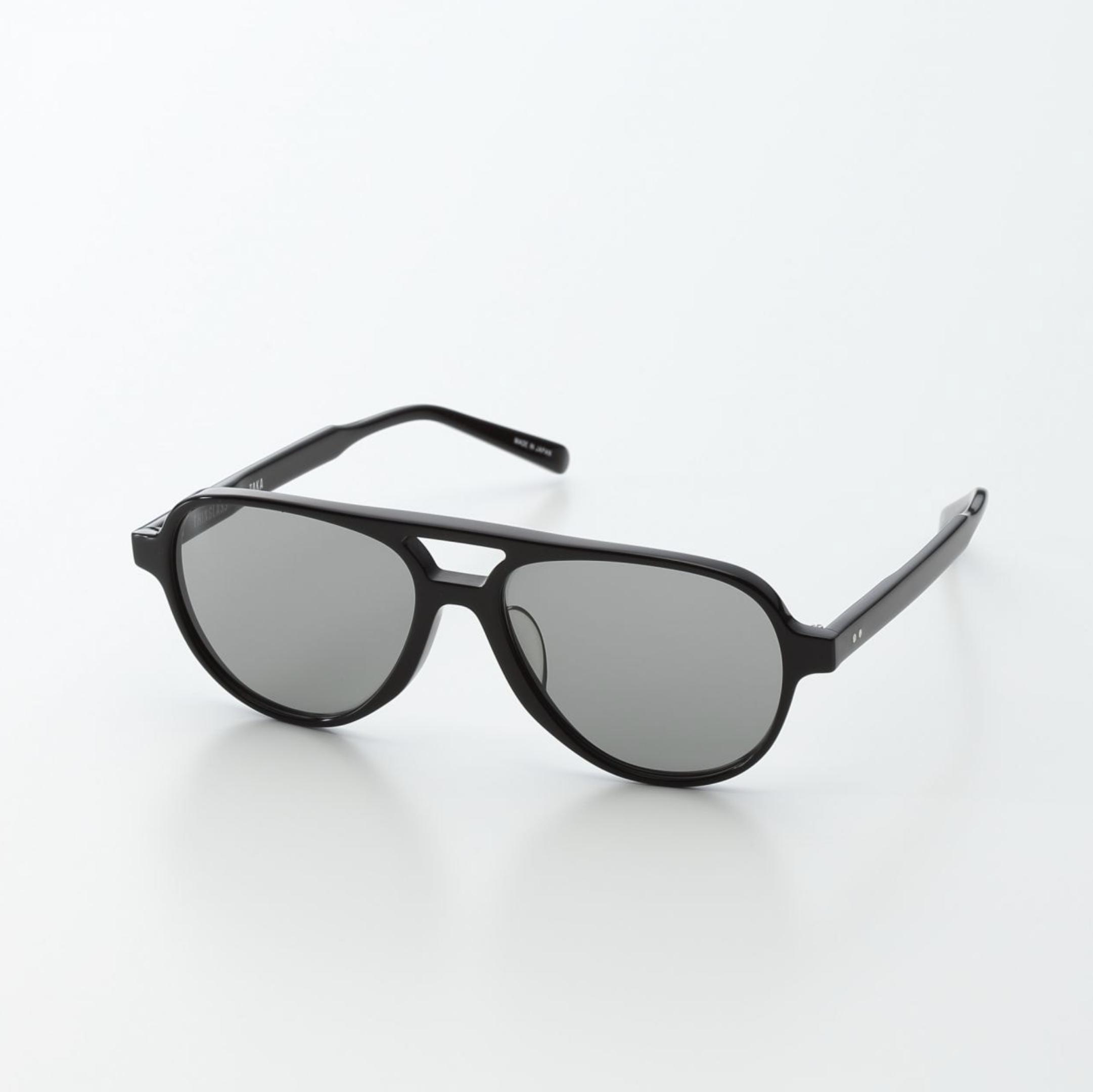 ガラスレンズのサングラス ティアドロップ 黒×グレー